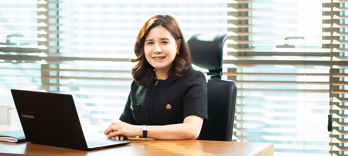 CEO 사진